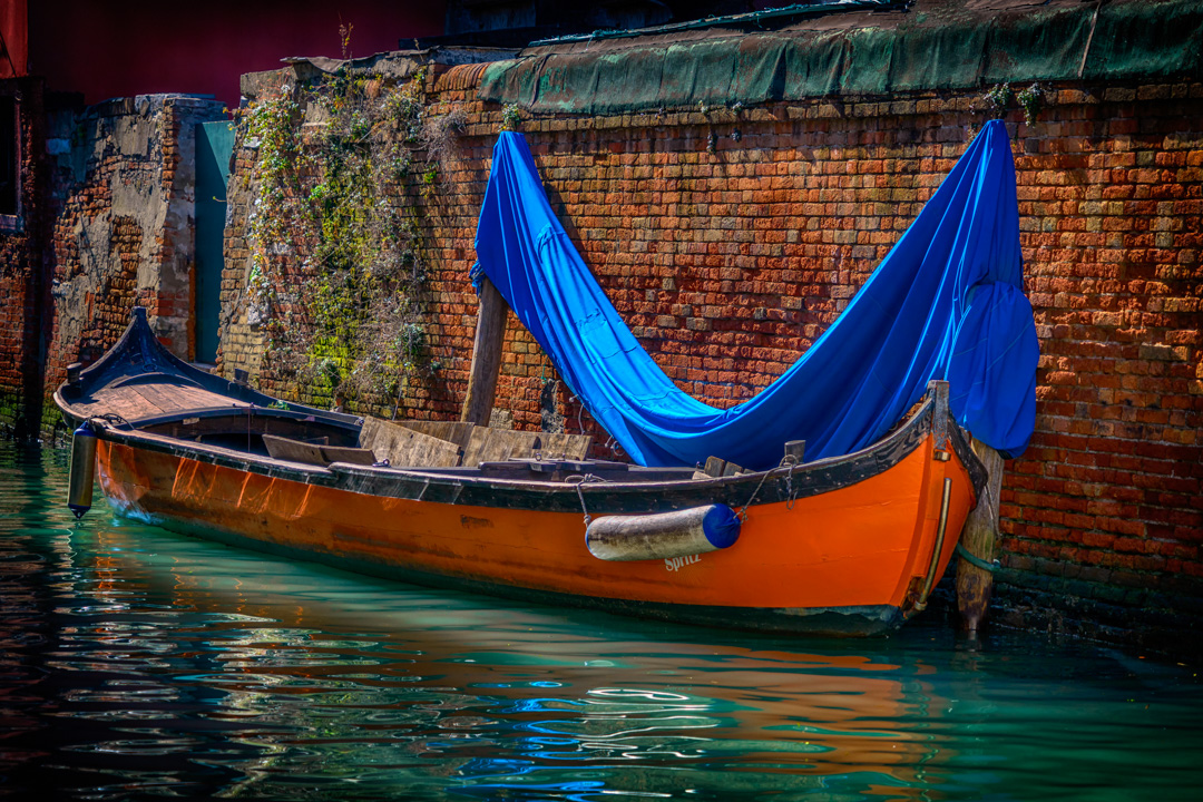 Orange Boat with Blue Cover Venice_DSC4699_03032017